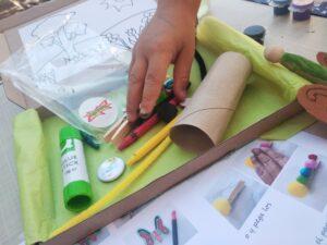 caja crafty y la mano de víctor
