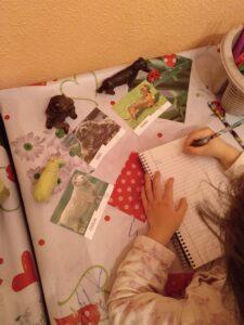 Paula escribiendo