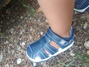 pié con las zapatillas